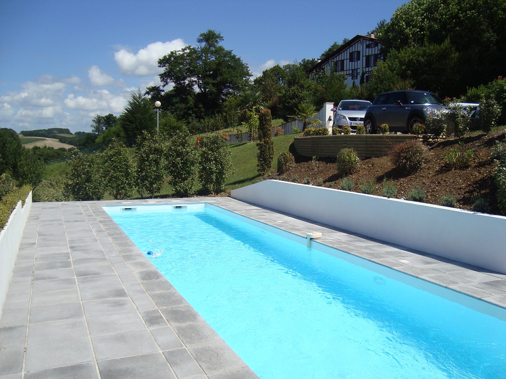 R salisation d 39 une piscine et am nagement saint jean de luz for Construction piscine