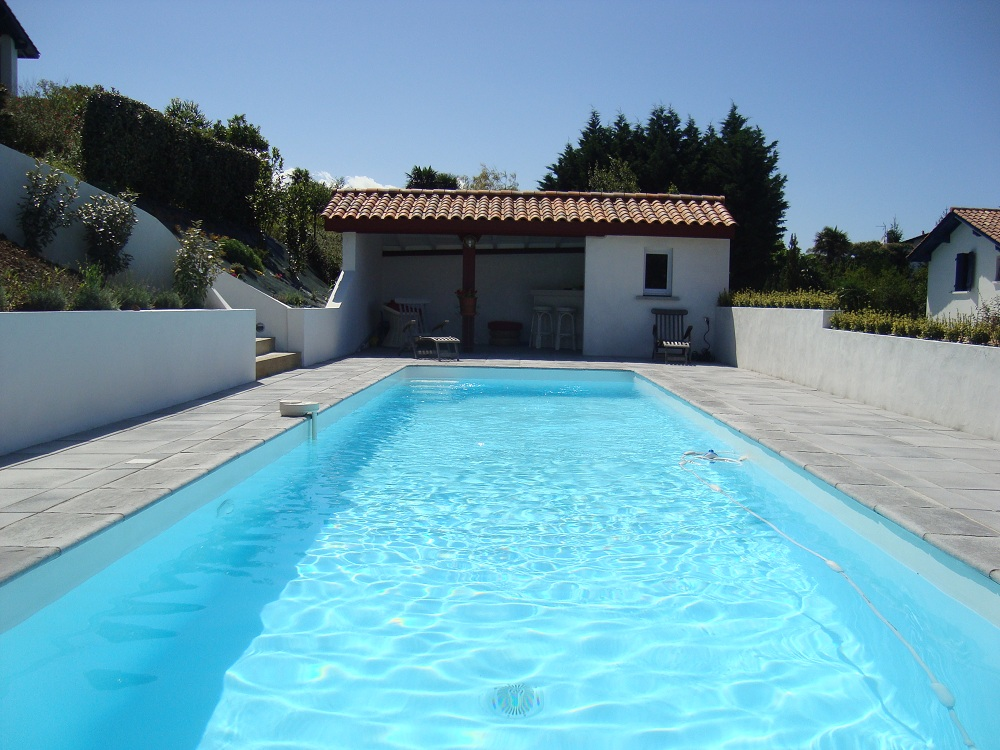 R salisation d 39 une piscine et am nagement saint jean de luz - Photos pool house piscine ...
