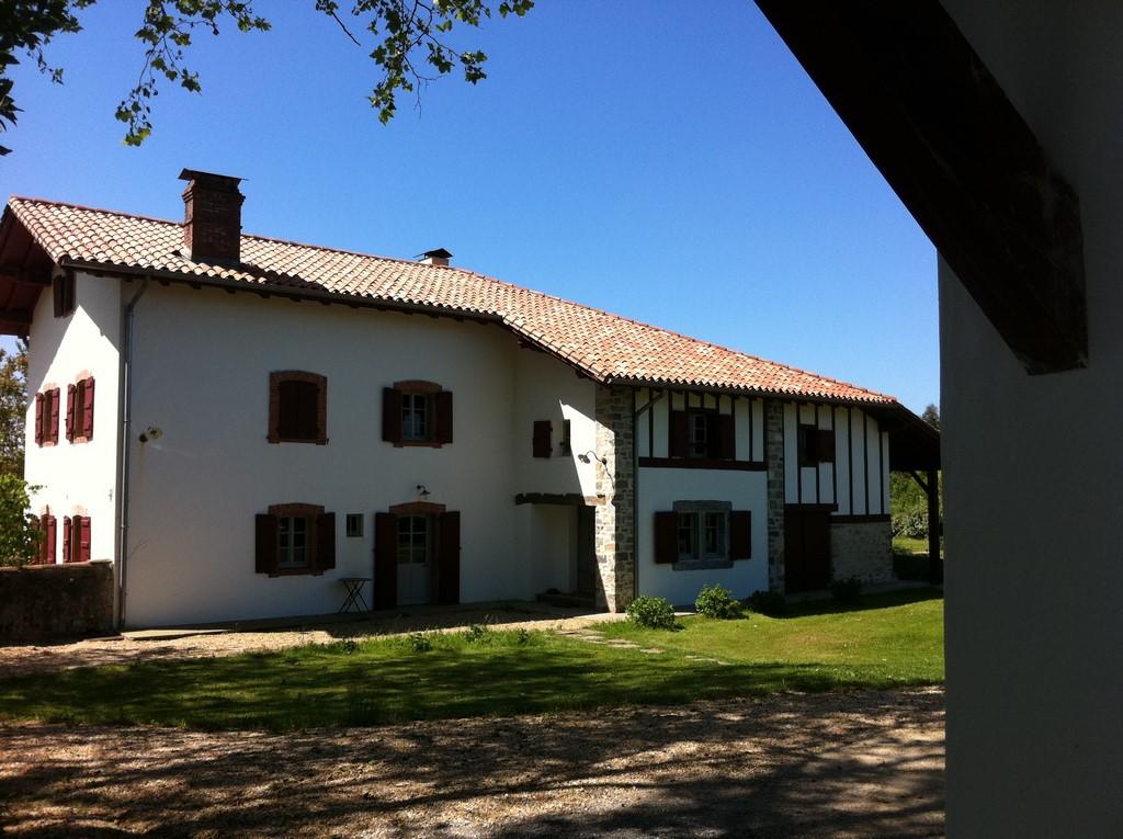 Maçonnerie d'une villa Basque en brique Monomur à Saint Jean de Luz