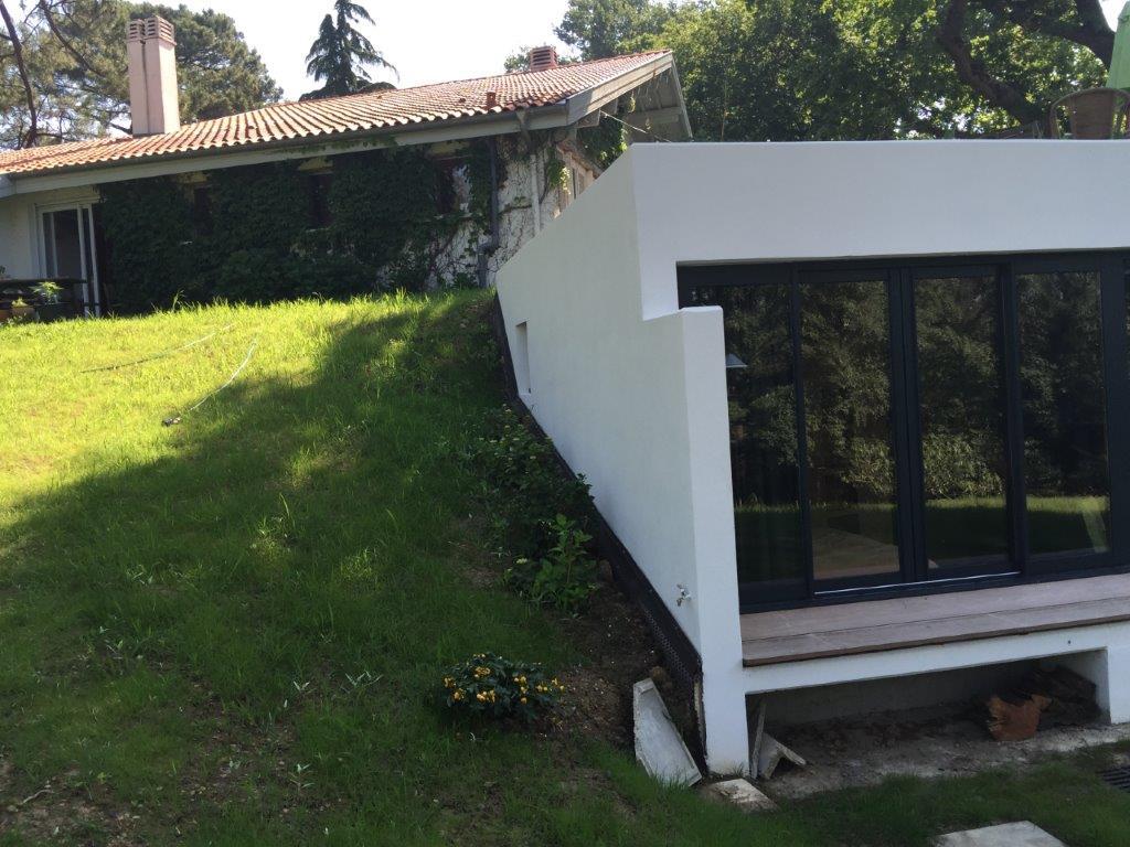 Construction d'une annexe de ville tout béton au Pays Basque