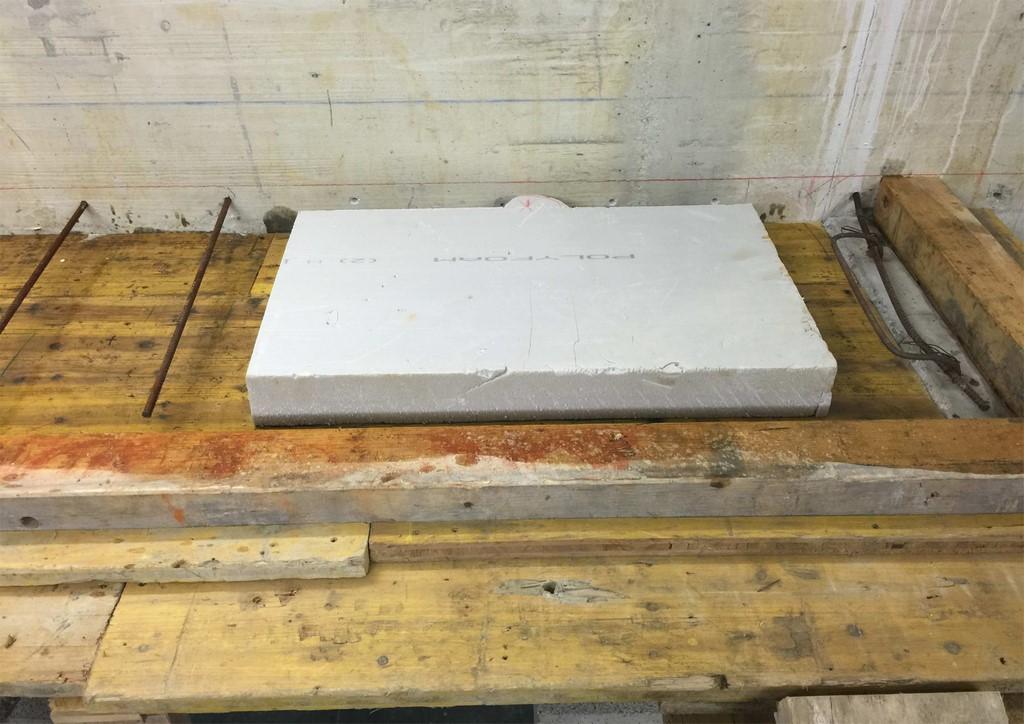 Construction d'un plan de travail dans une buanderie tout béton