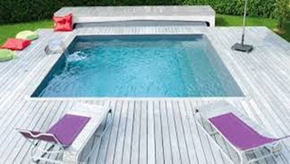 Mod le de piscine for Piscine carree miroir