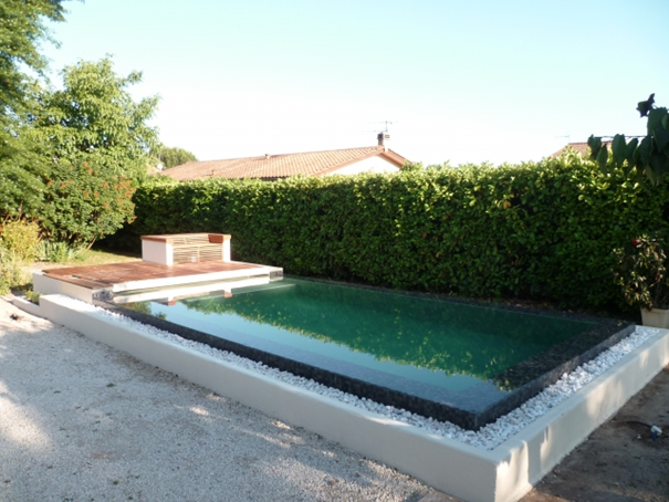 Piscine debordement construction 13 for Piscine miroir haut rhin