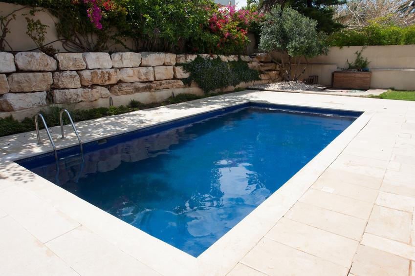 Mod le de piscine for Construction piscine 87
