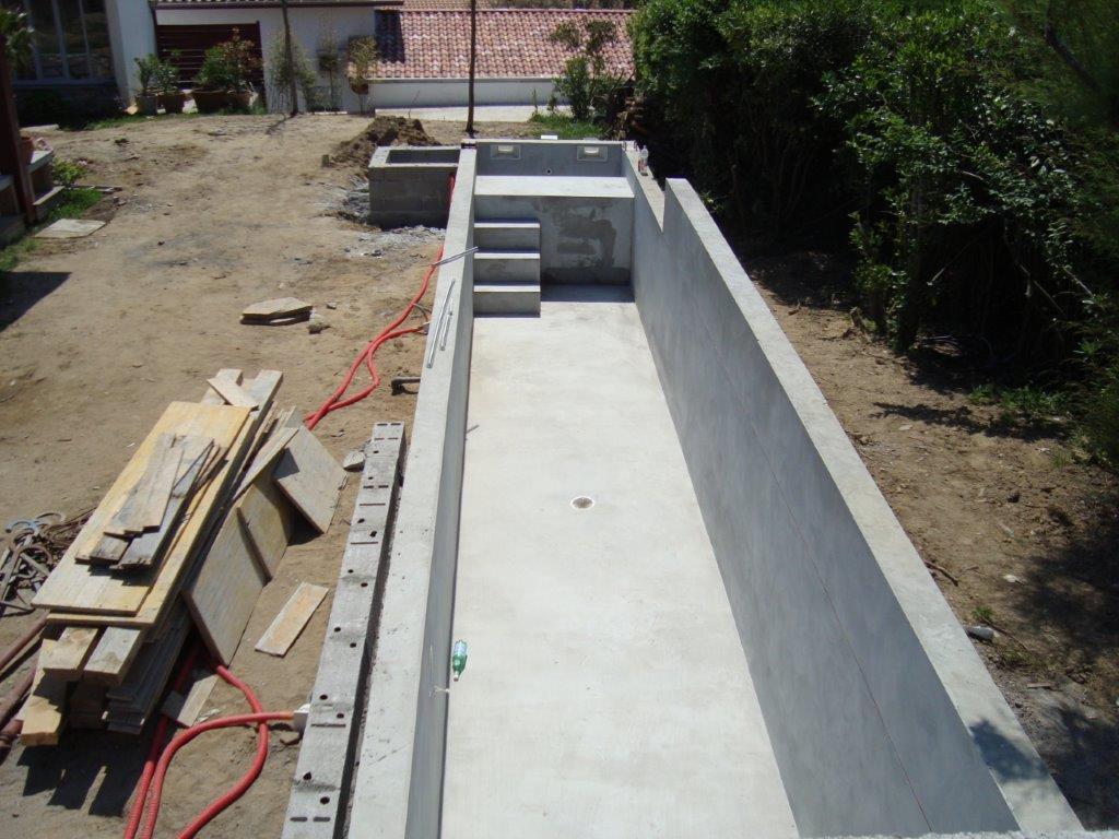 Construction d une piscine couloir de nage bidart au for Construction piscine tva 5 5