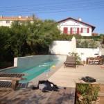 Conception 3d d un plan de maison avec piscine d bordement for Construction piscine 3d