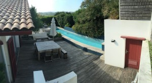 Construction d'un piscine couloir de nage et aménagement extérieur à Bidart