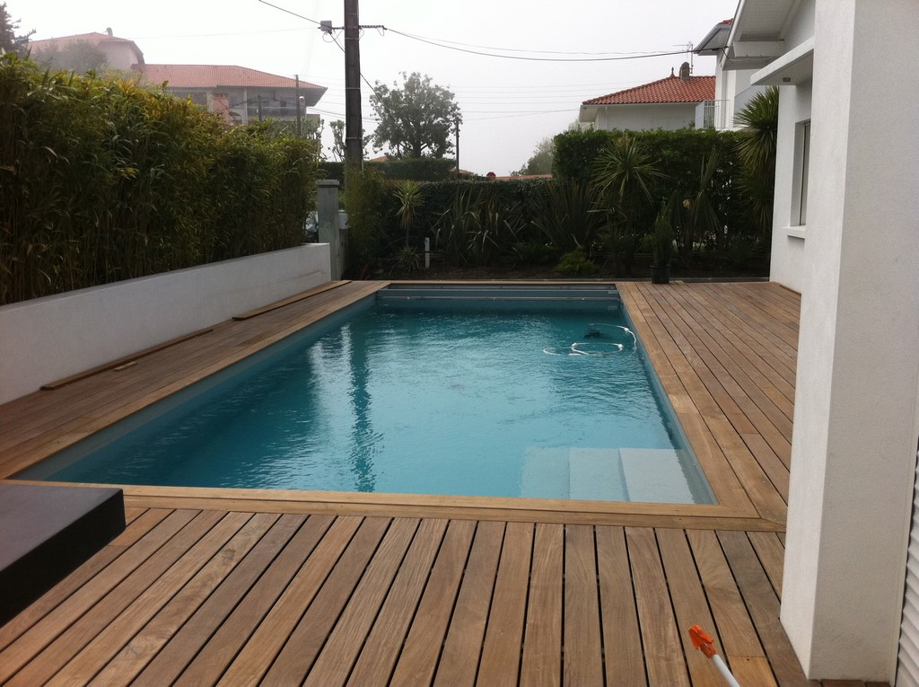 Construction d une piscine avec am nagements biarritz for Piscine construction