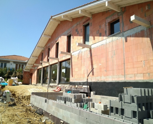 Construction d'une villa traditionnelle basque à Bidart